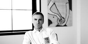 Calvin Klein chấm dứt hợp đồng với NTK Raf Simons