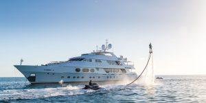 5 thú chơi cảm giác mạnh bên du thuyền trên biển xanh