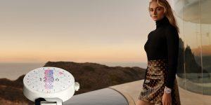 Sophie Turner trong chiến dịch quảng cáo đồng hồ Tambour Horizon Louis Vuitton