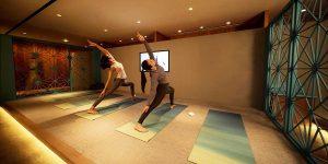Tập yoga và thiền tại phòng chờ hạng thương gia của Cathay Pacific
