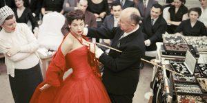 """Dior, chuyện chưa kể: """"Giấc mộng đêm hè"""" trên nước Anh"""