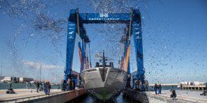 Siêu du thuyền bằng aluminium đầu tiên của Pershing