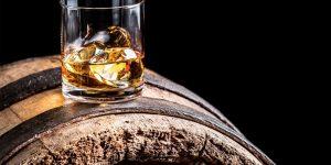 Sau xe cổ và đồng hồ, giới nhà giàu thầm lặng sưu tầm rượu whisky