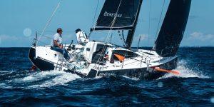 Figaro Beneteau 3 giăng buồm lướt qua châu Á