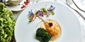 Đấu bếp sao Michelin Siu Hin-Chi: Tâm điểm của sự kiện ẩm thực The Reverie Saigon