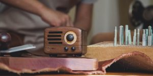 Bạn đang tìm một chiếc radio cổ điển? Muzen On the Road chính là câu trả lời