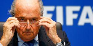 Vướng bê bối đồng hồ, cựu Chủ tịch FIFA tuyên bố sẽ khởi kiện