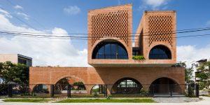 """10 công trình kiến trúc nhà ở mang màu sắc đương đại và """"kỳ dị"""" tại Việt Nam"""