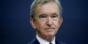 Ông trùm ngành hàng xa xỉ LVMH gia nhập câu lạc bộ 100 tỷ USD