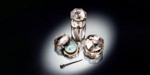 Clé de Peau Beauté Radiance Trio: Vẻ đẹp đến từ lụa vàng bạch kim và ngọc trai trắng
