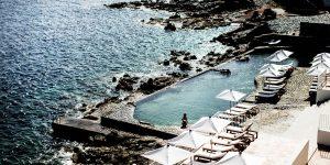 14 hồ bơi khách sạn với khung cảnh đẹp say lòng người vùng Địa Trung Hải