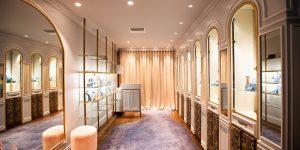 Matthew Ely phô diễn lối sống hoàng gia tại không gian boutique mới