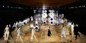 Burberry: Nhãn hiệu thời trang hay thước đo của tinh thần Anh Quốc?