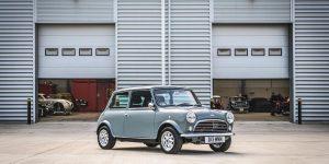 Làm mới chiếc Mini cổ điển của thập niên 1960 cho người lái hiện đại