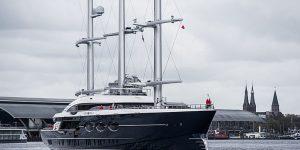 Du thuyền Black Pearl 106 rời Amsterdam đến vùng biển mới Gibraltar