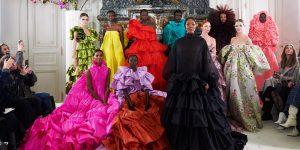 Một thập kỷ nhìn lại: Valentino Haute couture Xuân-Hè 2019 là show diễn của thập kỷ