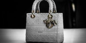 Dior mang mẫu túi huyền thoại Lady D-Lite trở lại trong BST Xuân Hè 2020