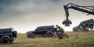 Land Rover Defender 110 xuất hiện trong phân cảnh rượt đuổi nghẹt thở của James Bond 007: No Time To Die