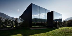 Tuyệt tác Nhà Gương đẹp như tranh vẽ tại South Tyrolean Dolomite