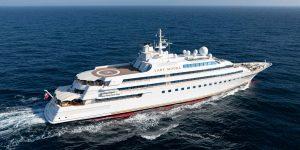 Lady Moura – Chiếc đầu tiên trong top 10 siêu du thuyền thế giới năm 1990 được rao bán