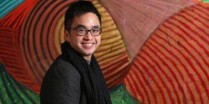 Covid-19: Tỷ phú Adrian Cheng lắp đặt máy rút khẩu trang miễn phí tại Hồng Kông
