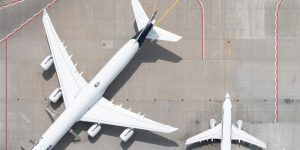 """Tom Hegen xem xét lại vai trò của ngành hàng không trong loạt ảnh """"Phong tỏa"""""""