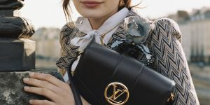 Louis Vuitton gói trọn tinh hoa chế tác da thủ công trong mẫu túi LV Pont 9