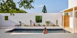 Vẻ đẹp tinh khôi của ngôi nhà tối giản với tòa tháp trắng tại Puglia, Ý