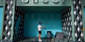 Louis Vuitton, Rolex đối mặt với những kẻ hôi của nước Mỹ và hành động đẹp từ thương hiệu xa xỉ