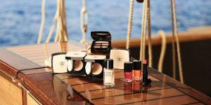 Mùa hè Chanel – Rạng rỡ khoe sắc cùng BST trang điểm Les Beiges Summer of Glow