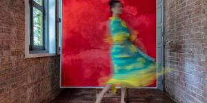 Tia-Thủy Nguyễn: Trôi bồng bềnh qua những ranh giới nghệ thuật