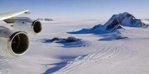 Bay thẳng đến Nam Cực khám phá lục địa trắng bằng chuyên cơ riêng