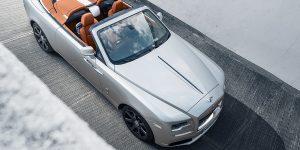 Rolls-Royce Dawn Silver Bullet hé lộ hình ảnh đầu tiên trên địa hình tự nhiên