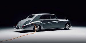 Sau tất cả, hãy cùng chiêm ngưỡng chiếc Rolls-Royce chạy điện đầu tiên trên thế giới