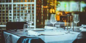 Luxuo Point: Câu chuyện nhà hàng 5 sao và giá trị thương hiệu – Khách hàng có còn lại thượng đế, nhân viên có còn là bộ mặt thương hiệu?