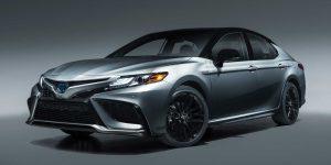 Toyota Camry Hybrid 2021: Nâng cấp gói an toàn Safety Sense 2.5, giá gần 665 triệu VND
