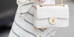 Nghệ thuật mua hàng hiệu: Túi Chanel, giày Louis Vuitton, đồng hồ Rolex, các thương hiệu xa xỉ đang bán điều gì cho chúng ta?