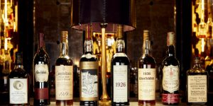 Chai rượu Whisky lâu đời nhất đang được đấu giá tại Sotheby's