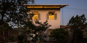 """Nhà """"bọc tôn"""" của H&P Architects: Mô hình bền vững nên mở rộng xây dựng ở vùng nông thôn Việt Nam"""