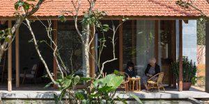 Hachi Lily: Ngôi nhà gỗ bình yên giữa vườn hoa bưởi ngào ngạt hương thơm