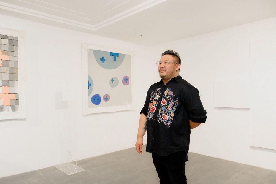 nghệ thuật sắp đặt Plus By Bảo Nam