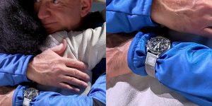 Vì sao Jeff Bezos chọn Omega Speedmaster Moonwatch lên vũ trụ?